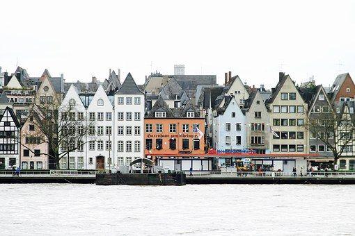 Rheinufer Altstadt Köln